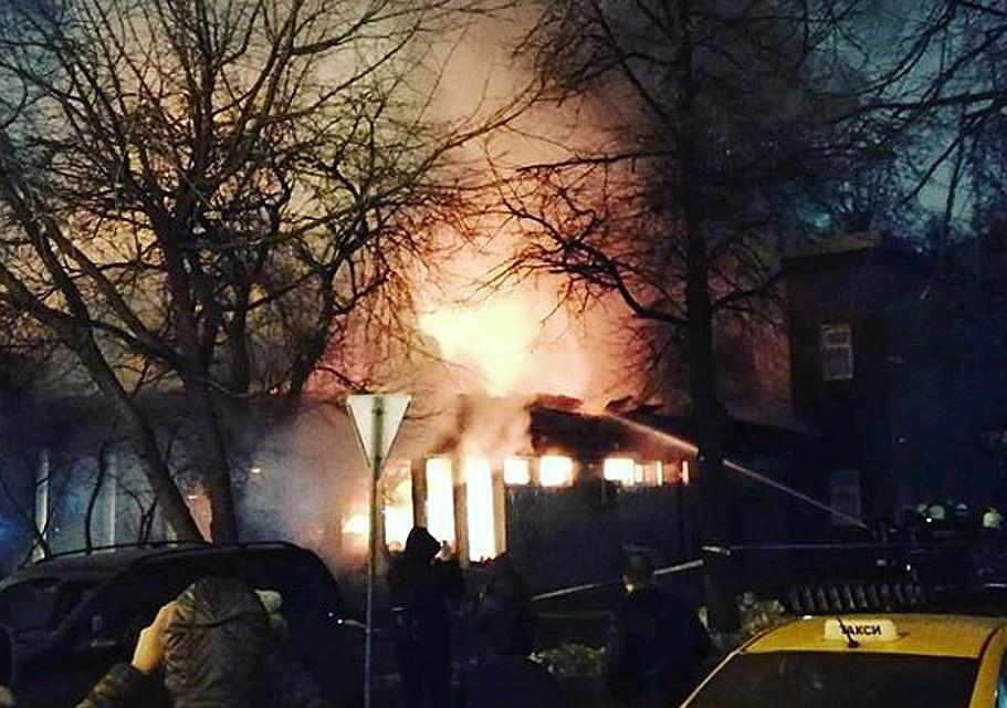 Из горящего кафе в центре Москвы эвакуировали 50 человек ea86729e0d0