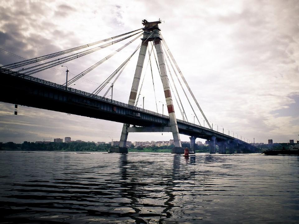 Первый в России вантовый мост в Череповце (Октябрьский мост через реку Шексну, 1977 г.