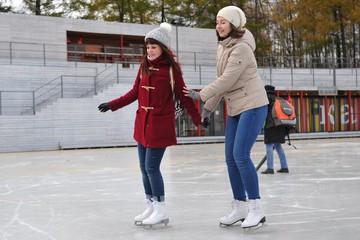 Где в Омске покататься на коньках