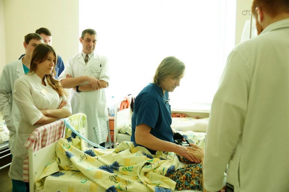 В послужном списке Евгения Левченко более пяти тысяч операций. ФОТО: предоставлено НМИЦ онкологии им. Петрова