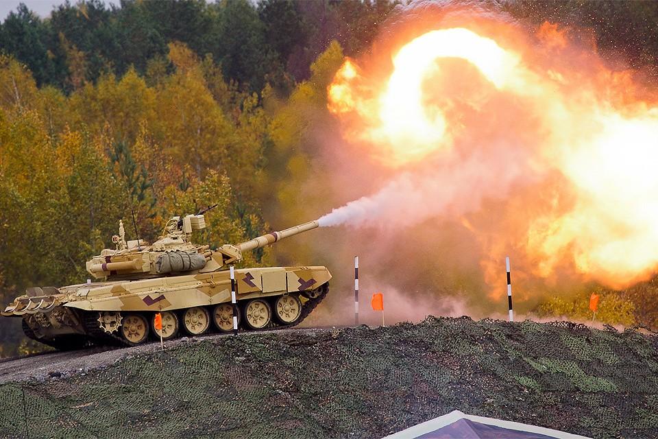Танк Т-90 на выставке в Нижнем Тагиле. Новейшая модификация этого танка Т-90 МС поступит на вооружение в российскую армию.