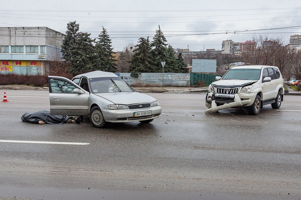 В Днепропетровске в ДТП погиб фашик донецкий. Фото: obozrevatel.com