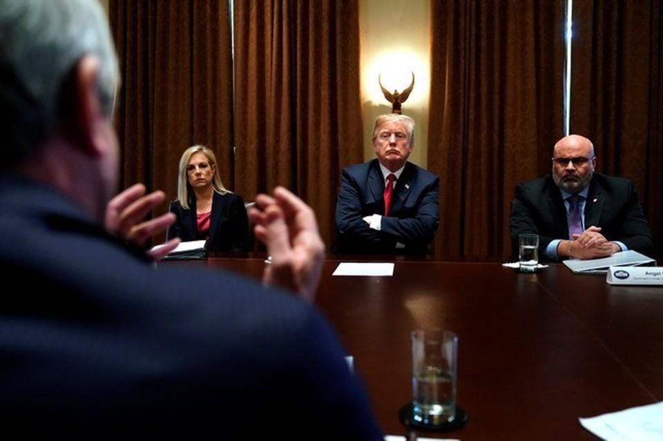Президент США Дональд Трамп на встрече с представителями правоохранительных органов и членами конгресса по вопросам преступности и иммиграции