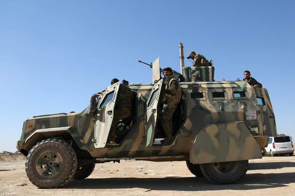 Власти Сирии договорились с курдами о размещении правительственных сил на границе с Турцией