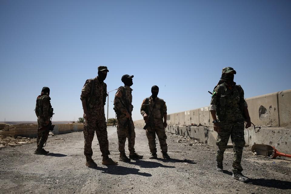 Вооруженные отряды СНС удержались в Африне после атаки турков