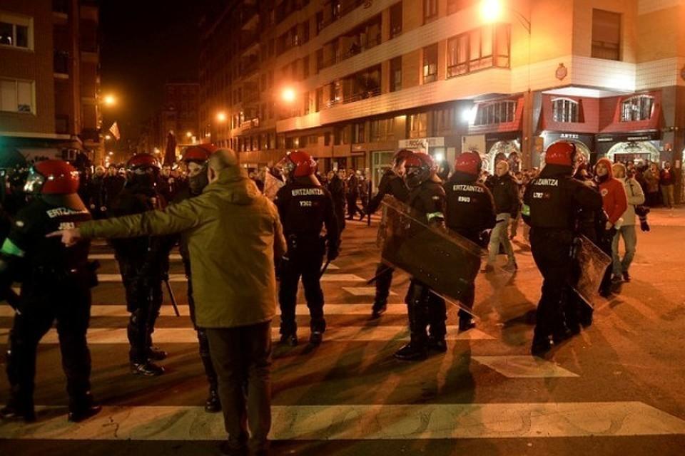 Задержанные в Бильбао фанаты «Спартака» предстанут перед судом за драку с полицией