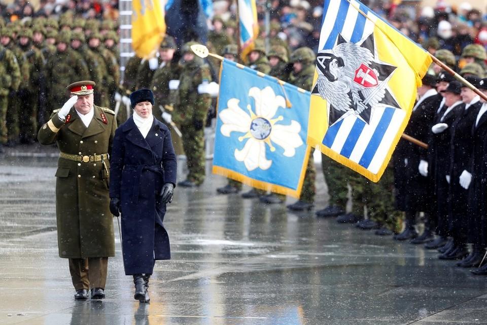 Президент Эстонии Керсти Кальюлайд на параде по случаю Дня независимости страны