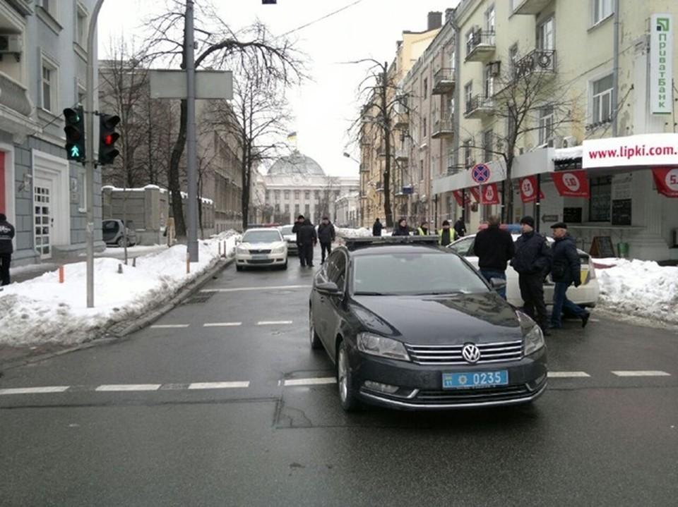 В полиции утверждают, что мужчина переходил дорогу в неположенном месте. Фото: Главком
