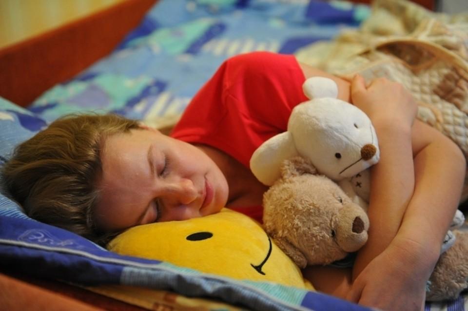 В среднем человеку требуется не менее 8 часов сна.