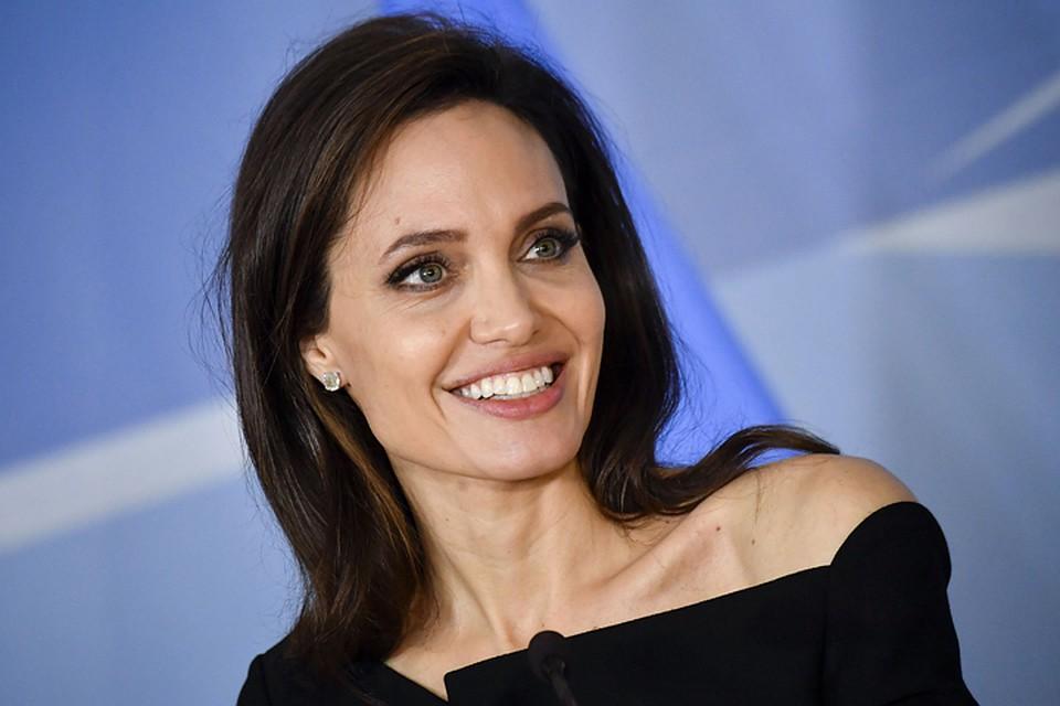 Анджелина Джоли - лучшая Лара Крофт