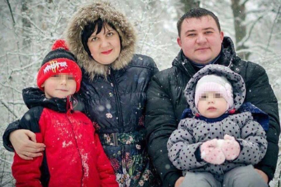 Увы, родители мальчика и его сестренка не успели выбраться из торгового центра, погибли