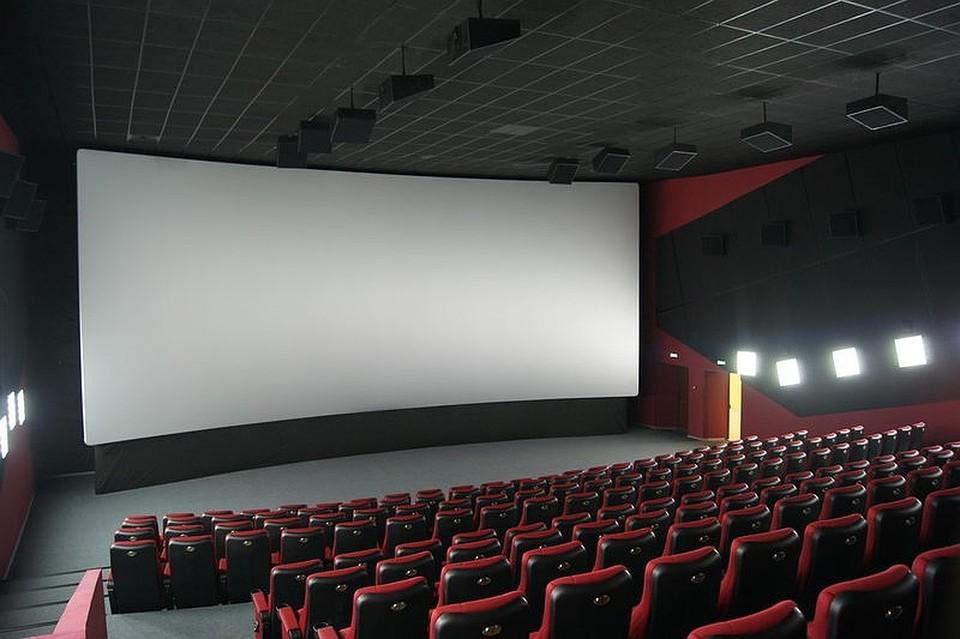 В огненной ловушке оказалось 56 зрителей кинотеатра, из них спаслись единицы