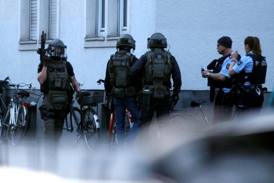 Полицейские уже давно наблюдали за мужчинами, решившими устроить теракт