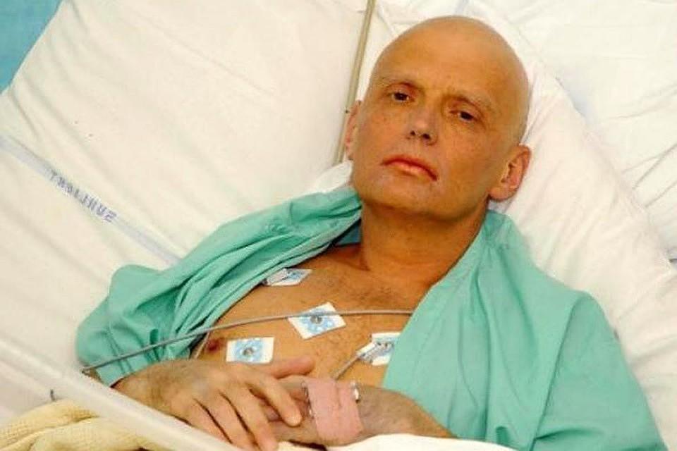 Экс-сотрудник ФСБ Александр Литвиненко бежал в Великобританию в 2000-м году, а спустя шесть лет скончался. Британцы утверждают, что он был отравлен радиоактивным полонием-210.