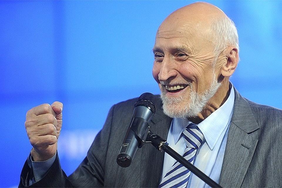 """80-летний Николай Дроздов уже 40 лет у руля """"В мире животных"""", но годы берут свое"""