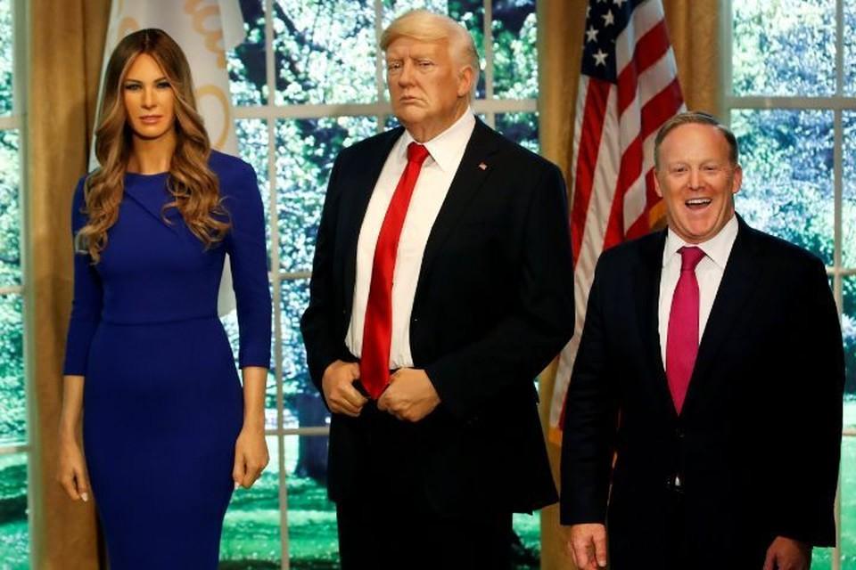 Бывший пресс-секретарь Белого дома Шон Спайсер уже оценил восковую копию супруги американского лидер - Меланьи Трамп