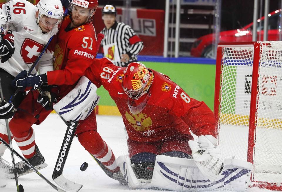 Вратарь хоккейной сборной России Василий Кошечкин.