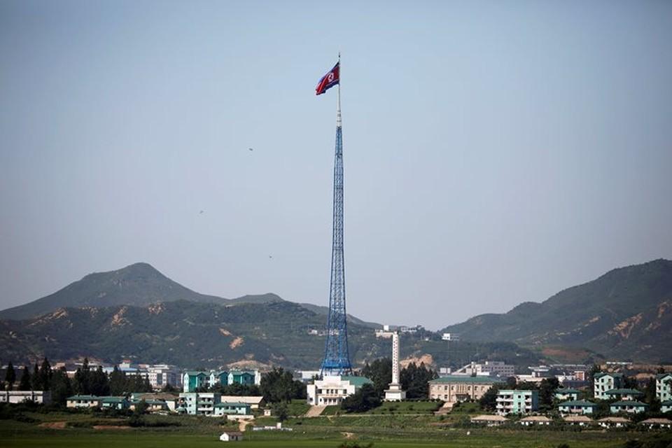 Из-за санкций доходы от внешней торговли КНДР сократились вдвое