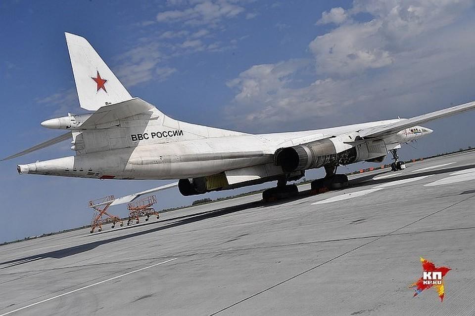 Стратегический бомбардировщик Ту-160