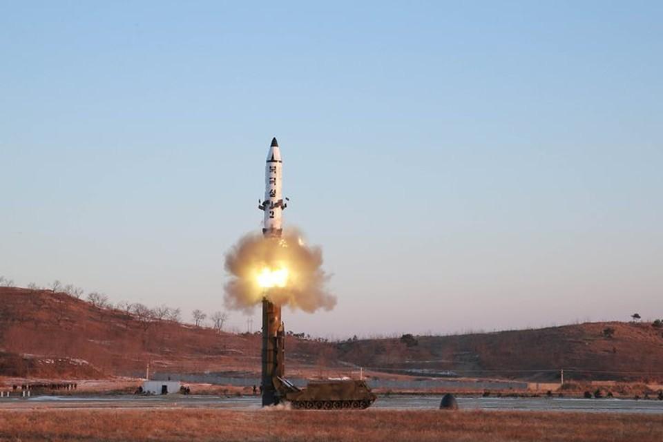 Испытания баллистической ракеты в Китае