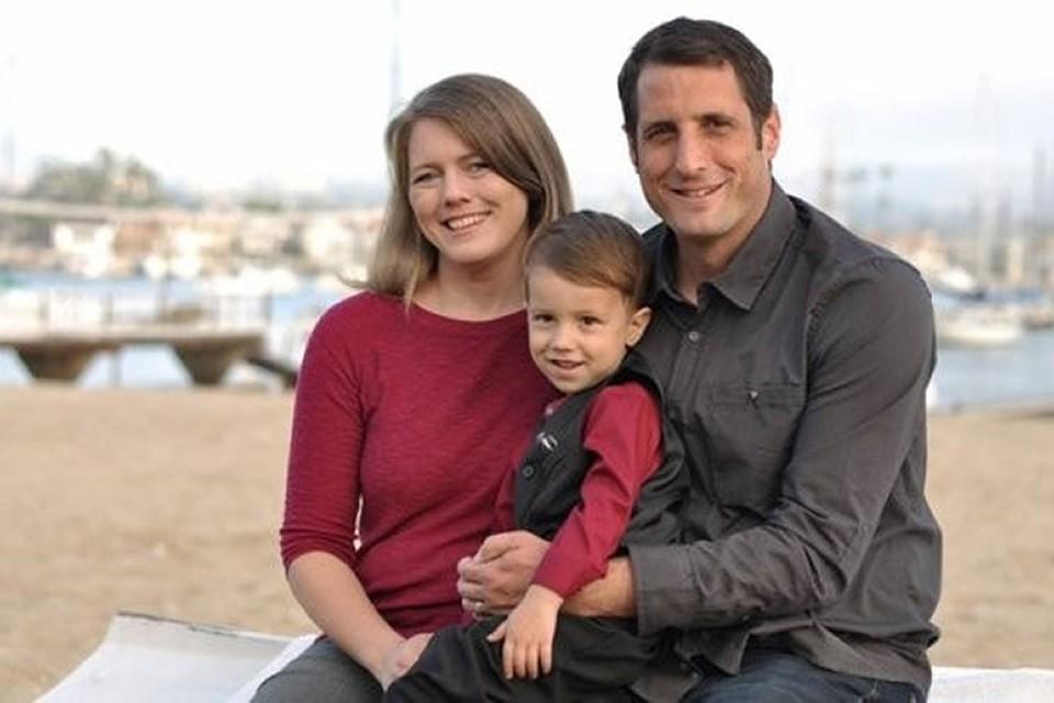 Выходцы из США Райан и Лора Смит путешествовали по живописным местам вдоль Военно-Грузинской дороги вместе с четырехлетним сыном