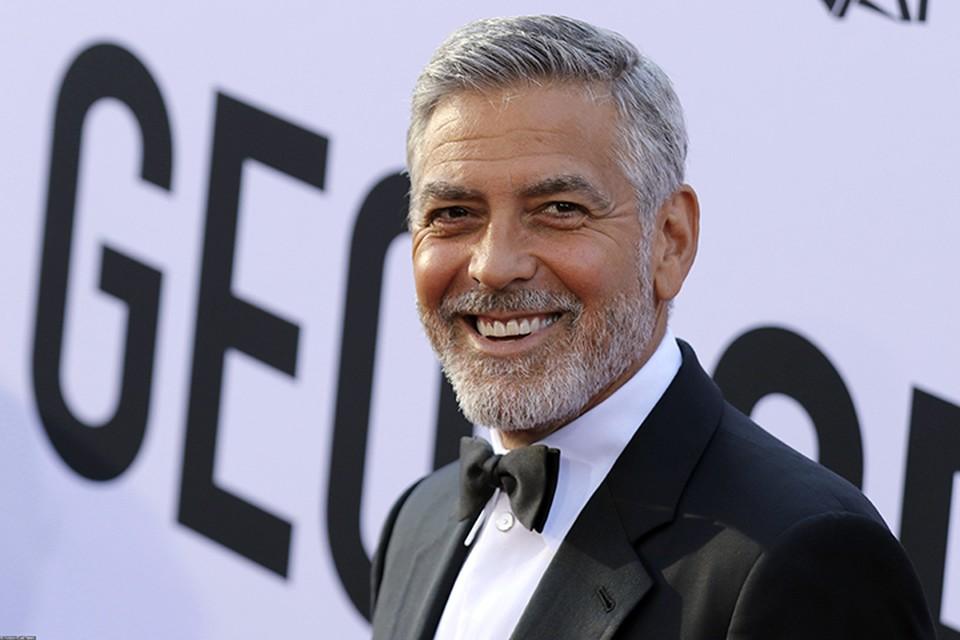 Джордж Клуни был доставлен в отделение скорой помощи
