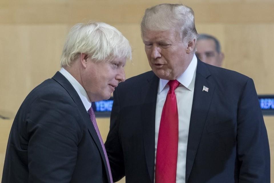 Бывший глава МИД Великобритании Борис Джонсон (слева) и президент США Дональд Трамп