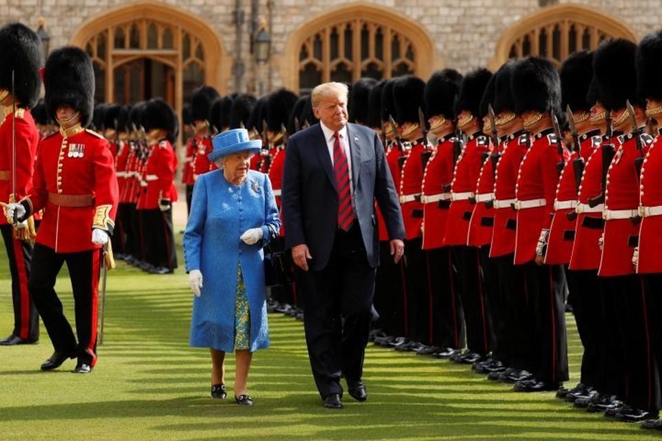 Президент США Дональд Трамп с королевой Великобритании Елизаветой II