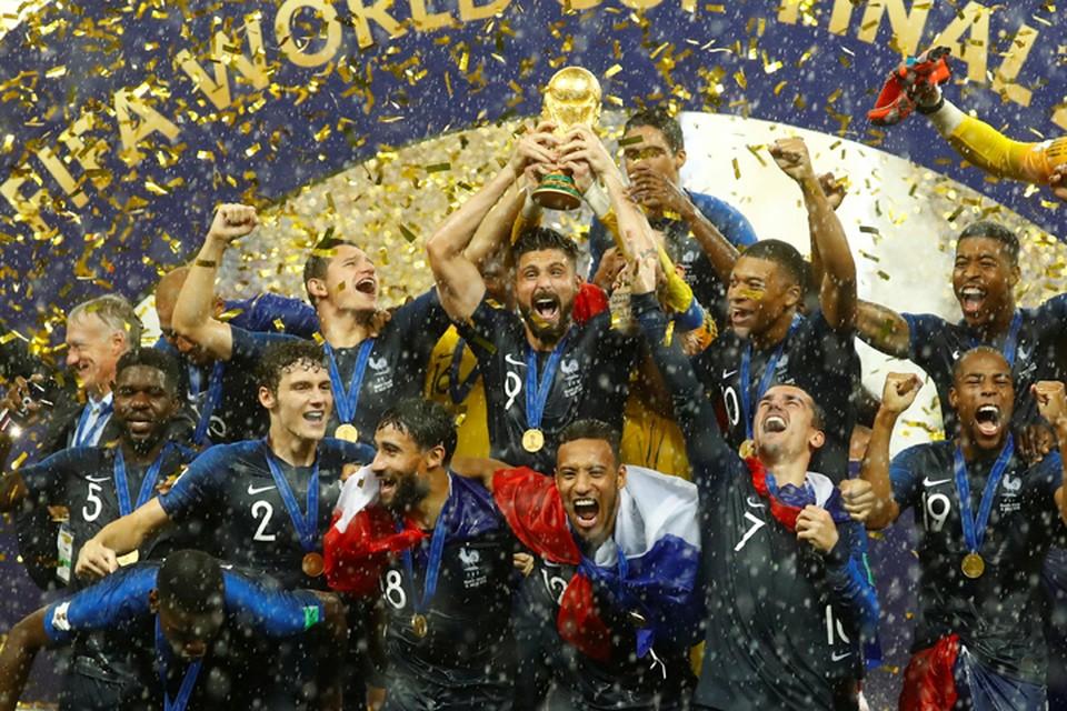 Французы получают свои заслуженные медали