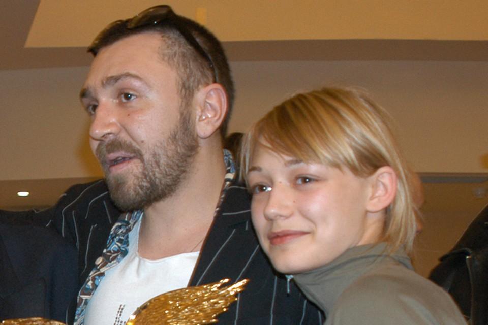 Оксана Акиньшина и Сергей Шнуров встречались 5 лет.