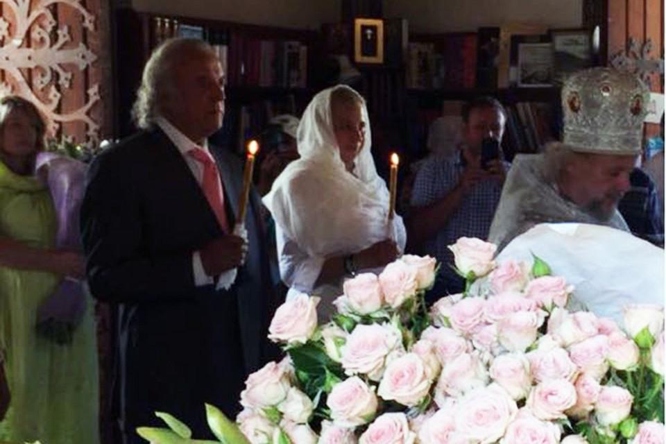О решении обвенчаться со своей супругой поэт рассказал накануне своего 80-летия. Фото: личный архив Ильи Резника