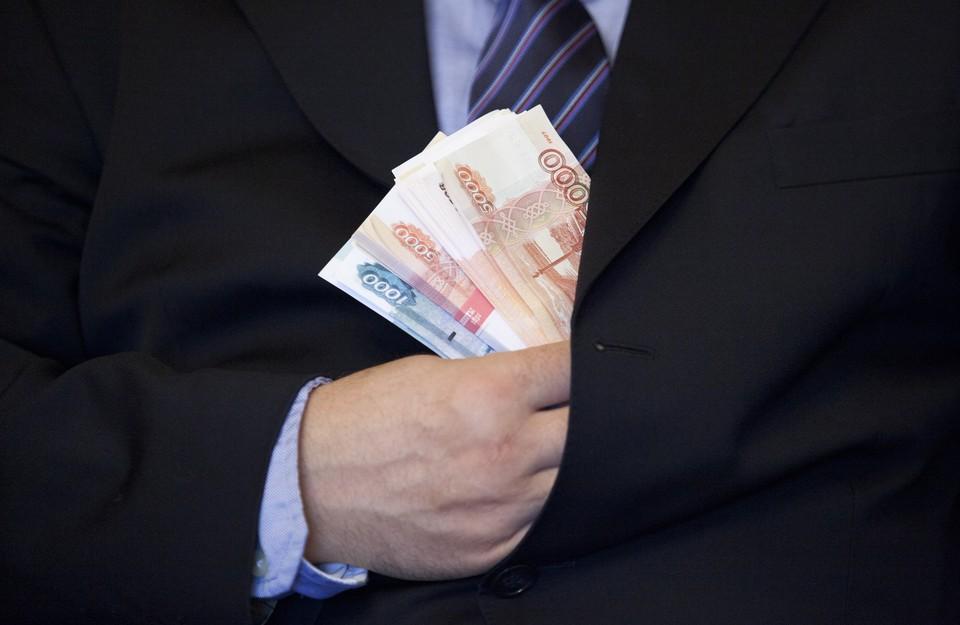 Больше всех в России зарабатывают нефтяники.