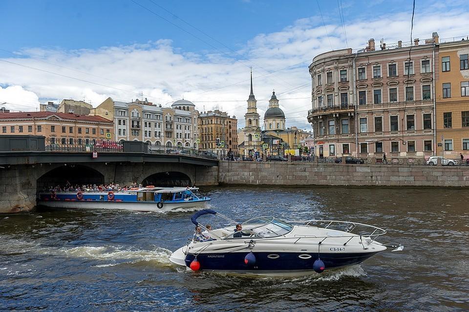 В жару большинство туристов предпочитает покупать билеты онлайн, а не на месте