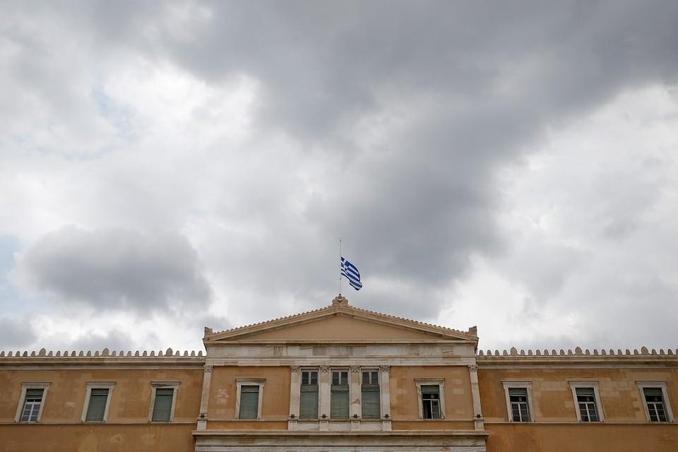 Греция отзывает посла из Москвы, заявил источник