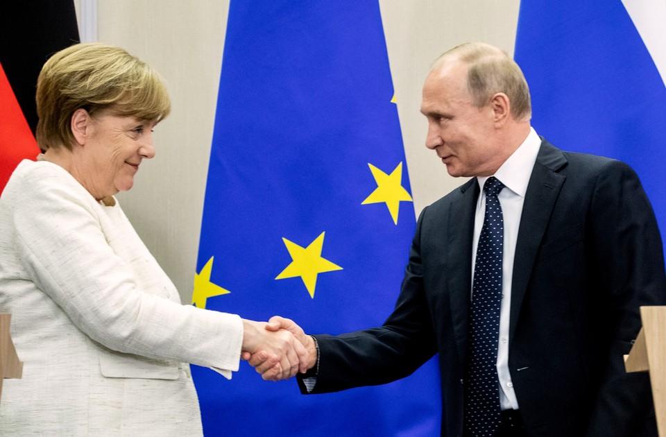 Владимир Путин и Ангела Меркель на пресс-конференции по итогам переговоров в Сочи, май 2018 г.