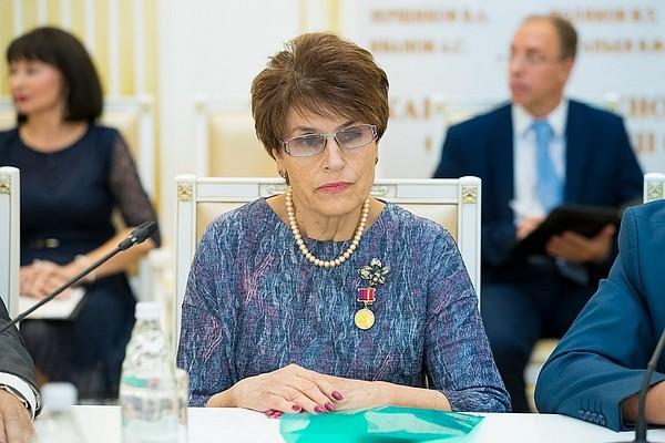 Вести.Ru: Беременная невестка Марии Шукшиной ищет правды и помощи   400x600
