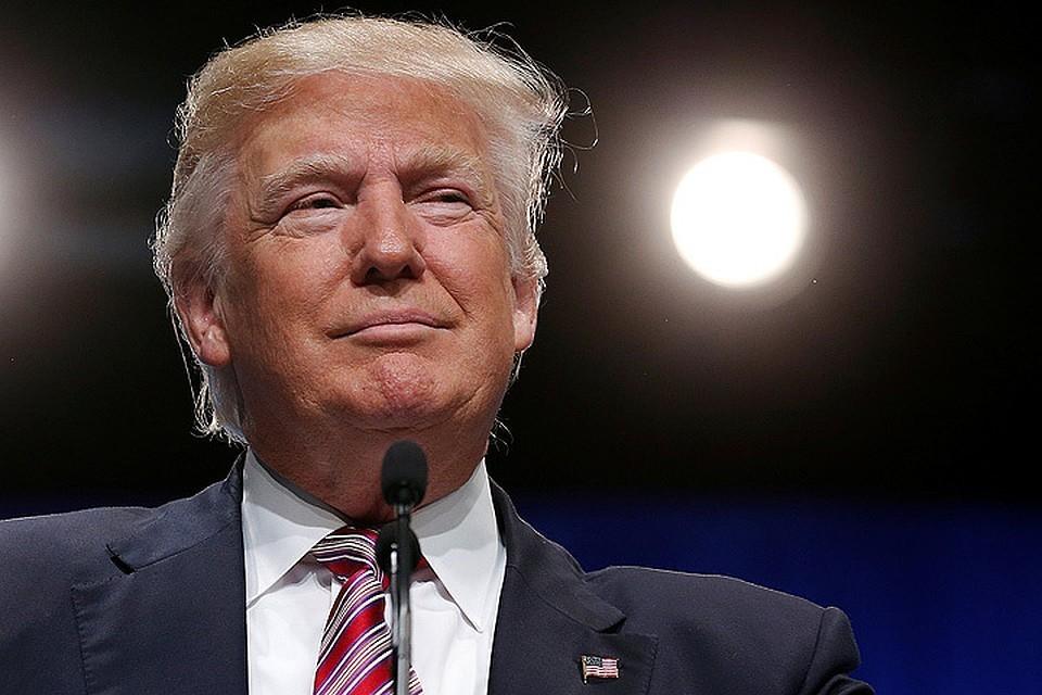 Трамп оскорбил журналистку во время брифинга у Белого дома