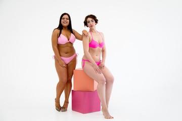 Обнаженка без фотошопа: похудевшие толстушки разделись для фотосессии