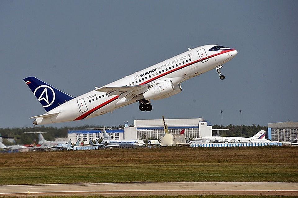 Кабмин выделил 9,8 млрд рублей на закупку самолетов Superjet для региональных перевозок