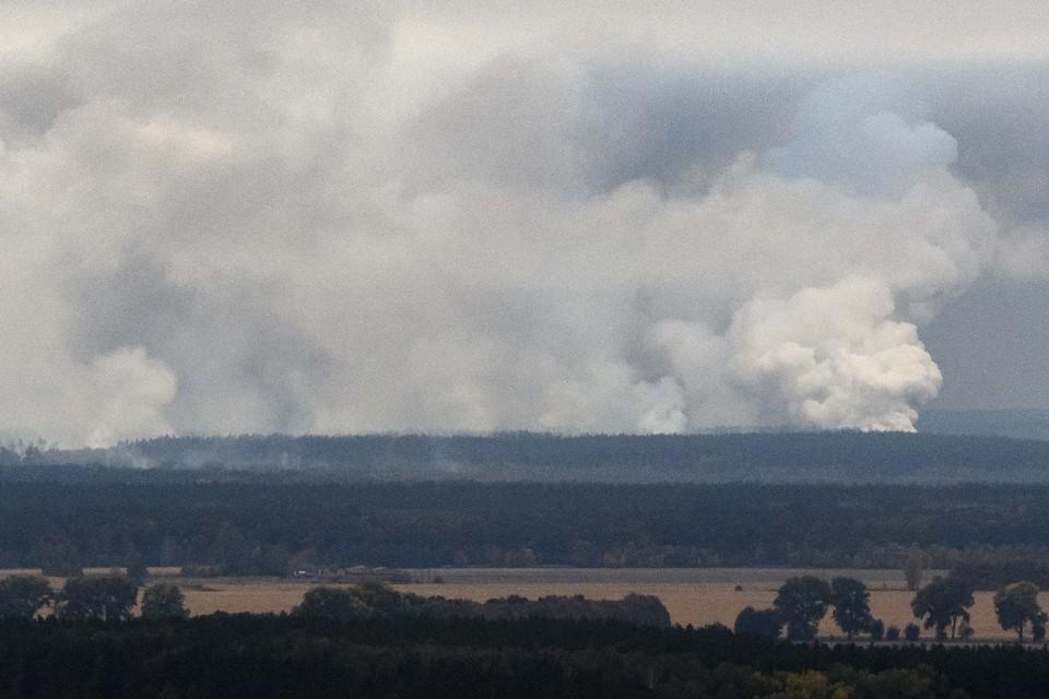 Перед пожаром на военных складах в Черниговской области прогремели взрывы