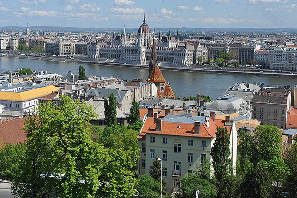 Будапешт, столица Венгрии, один из самых популярных маршрутов у тех, кто летит на самолете