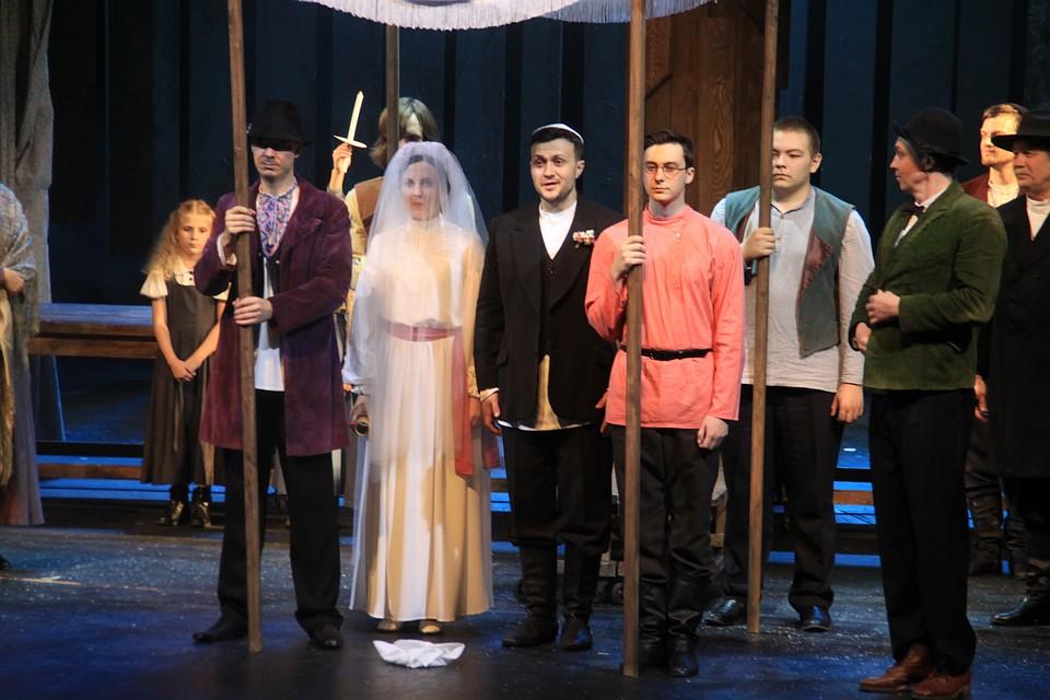 Свадьба старшей дочери Цейтл, в роли которой Валерия Емельянова
