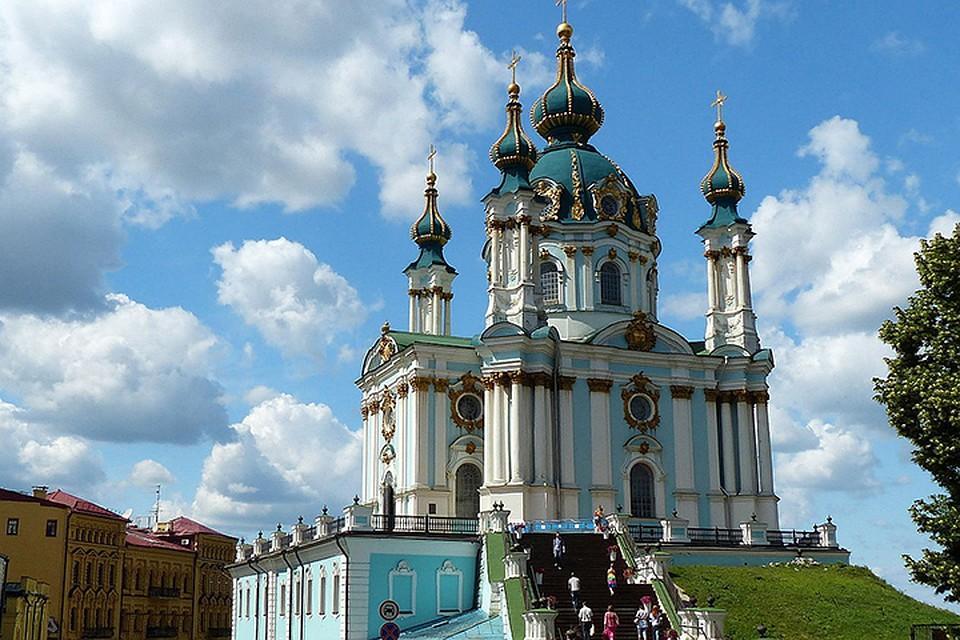 """Первой, как """"взятка"""", Фанару ушел красивейший андреевский храм в Киеве"""