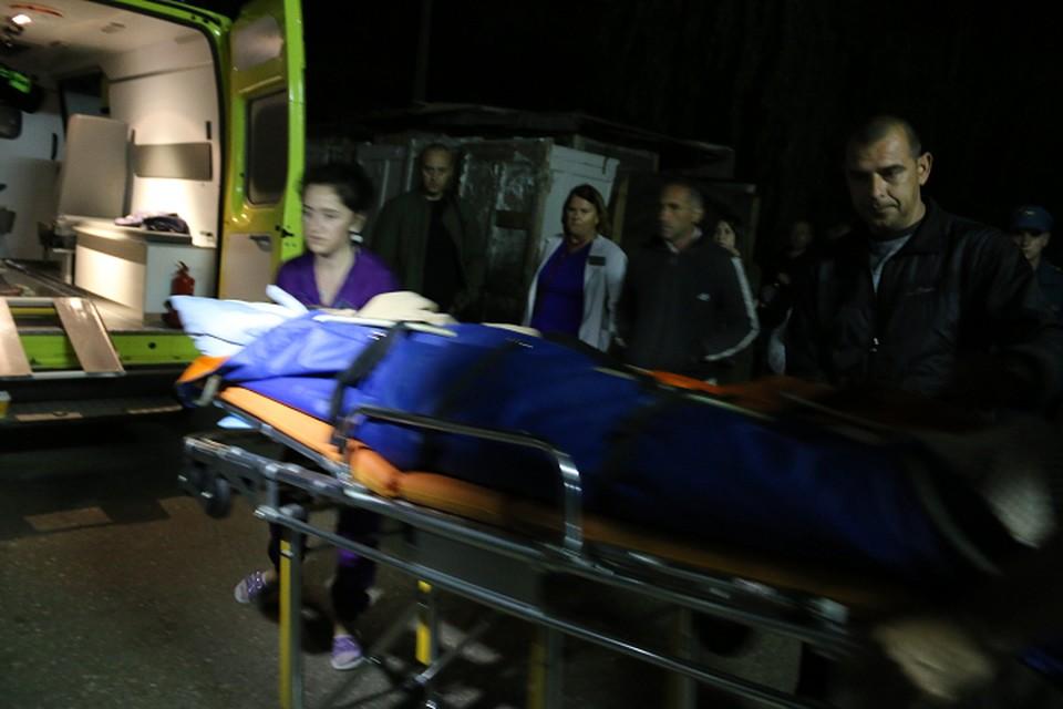 Пострадавшие в Керчи получили огнестрельные и минно-взрывные ранения.