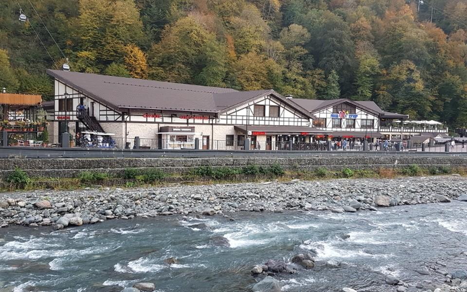На курорте Роза Хутор находится один из лучших новых горнолыжных отелей мира.