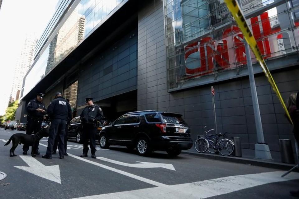 Людей эвакуировали из здания Time Warner Center в Нью-Йорке из-за подозрительной посылки