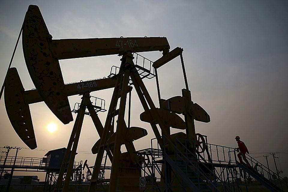 Цена нефти марки Brent впервые с августа опустилась ниже $72