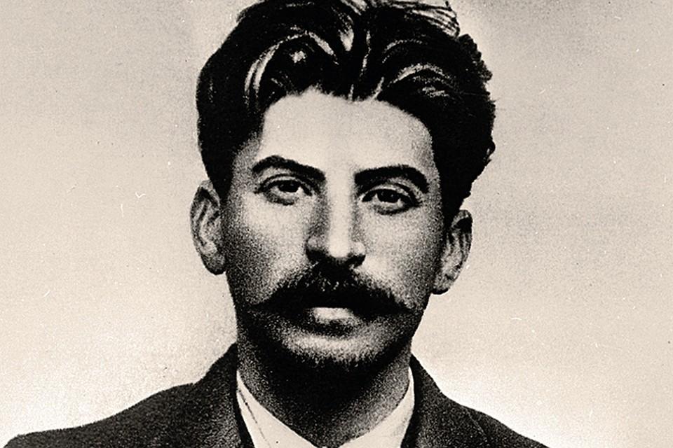 Сталин обещал жандармам, что женится на 14-летней любовнице, как только она станет совершеннолетней