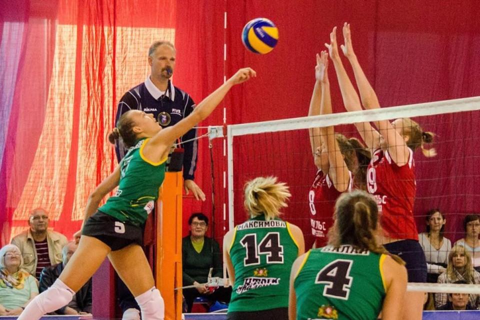 Уральские спортсменки поборются за право участвовать в европейских кубках. Фото: instagram.com/vc_uralochka/