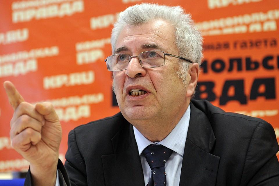 Заслуженный учитель РФ, член Общественного совета при Министерстве образования и науки РФ Евгений Ямбург.